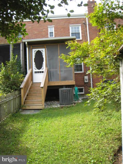 Photo of 524 E Luray Ave
