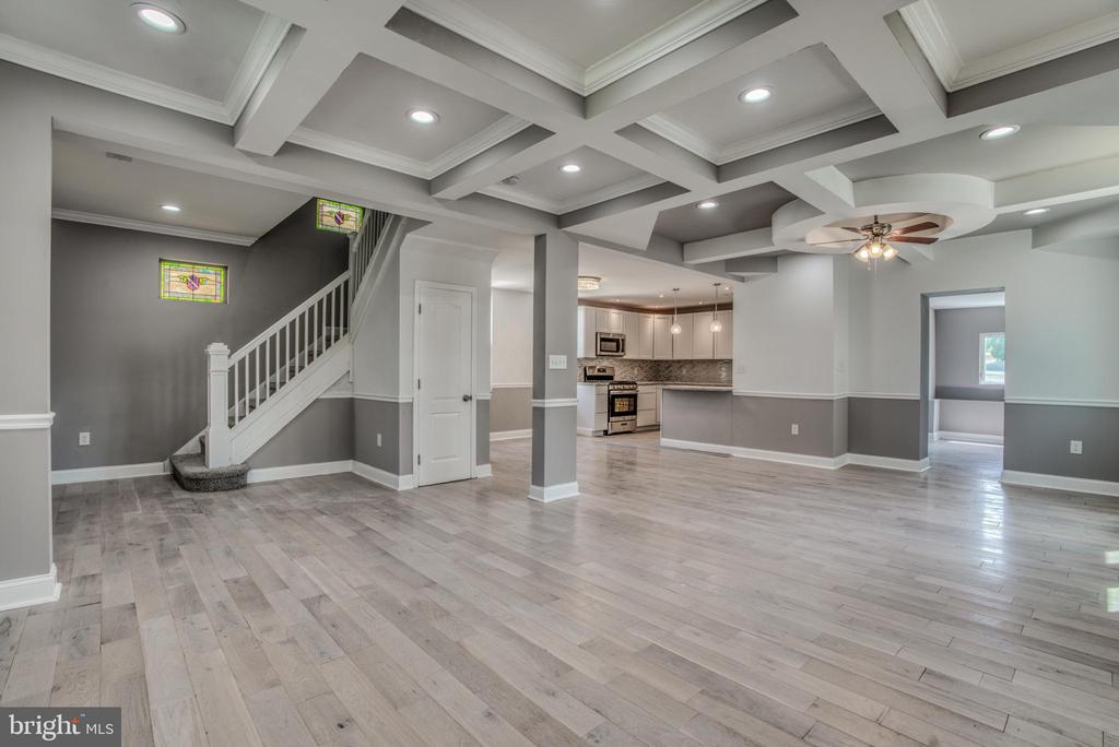 Amazing new rehab!! Beautiful details everywhere!! New granite countertops, new flooring, new stainless steel appliances, beautiful trim work. Off street parking, plus a great yard!!