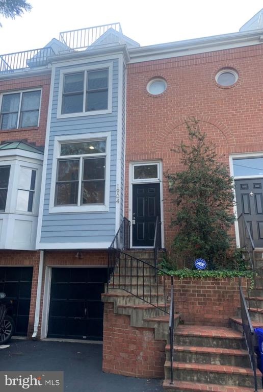 1904 N Veitch St, Arlington, VA 22201