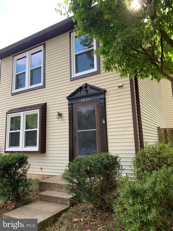 2032 Brooks Square Pl, Falls Church, VA 22043