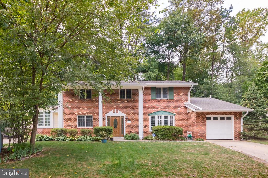 10204  BESSMER LANE, Fairfax, Virginia