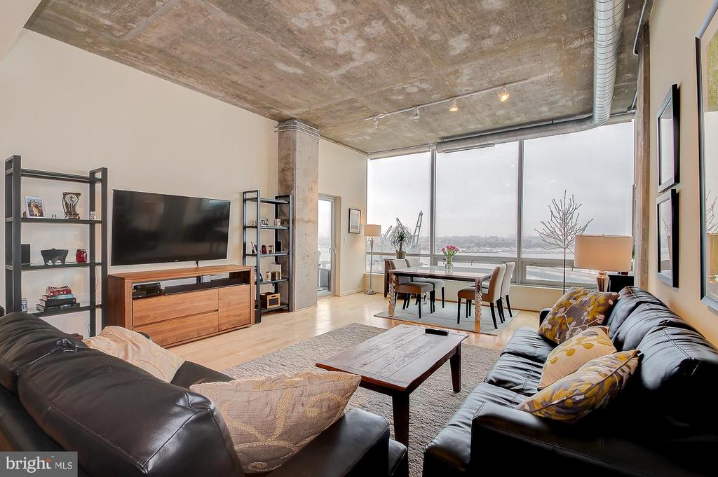 Available January 15,  2020. Remarkable 2 bed, 2.5 bath 9th floor condo w/ spectacular waterfront views! Property highlights include gourmet kitchen w/ Viking appliances, 11' ceilings and balcony. Other features include hrdwd flooring, custom tiling, luxury mstr bath w/ separate tub & double vanity, walk-in closets, great natural lighting, 2 car parking & storage unit! Amenity Rich - lounge, 24/7 gym, lobby/front desk & more! Rent negotiable for long term lease.