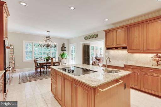 8702 Old Dominion Dr, McLean 22102