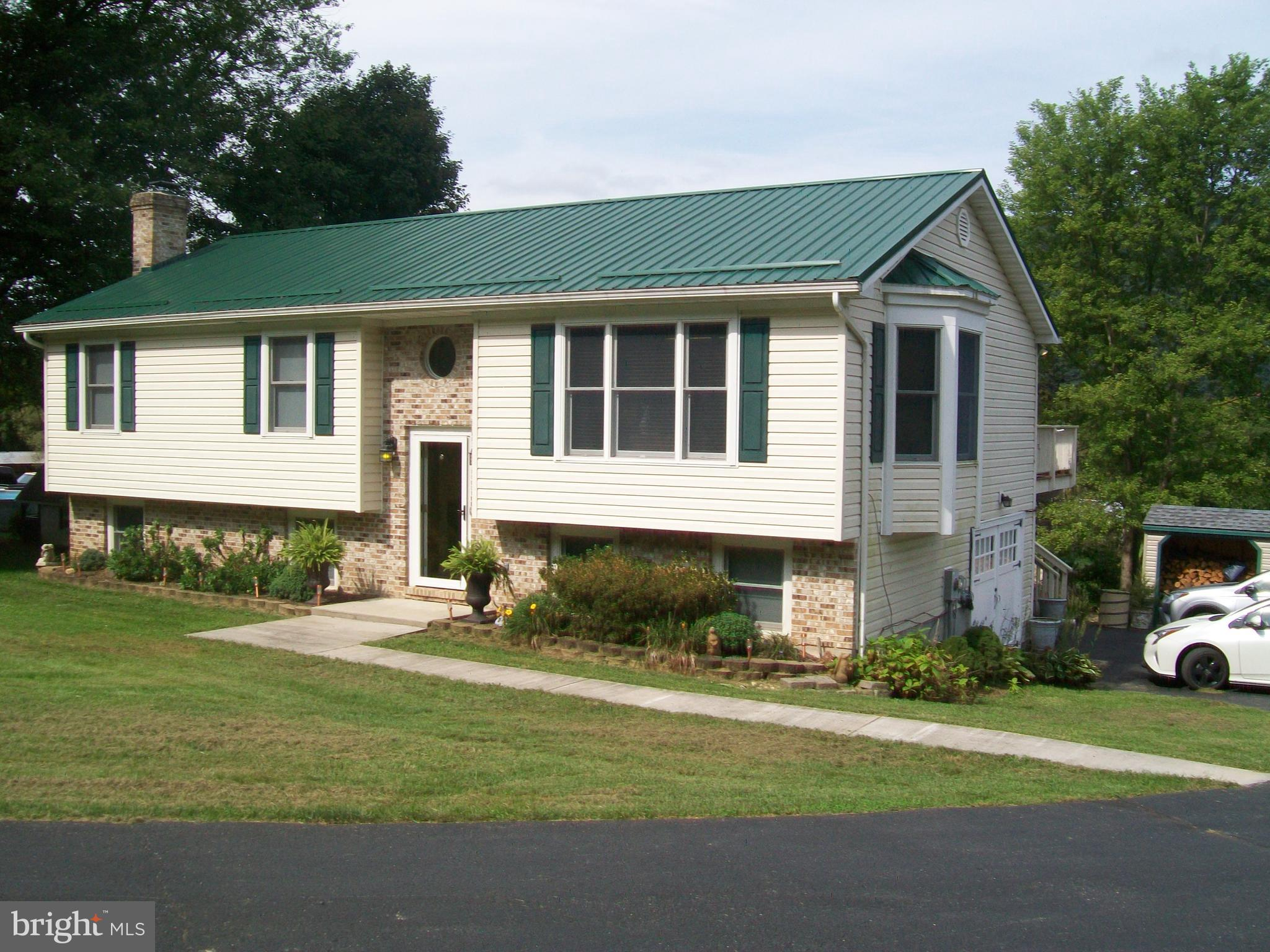 1551 CAMPBELL ROAD, SPRINGFIELD, WV 26763