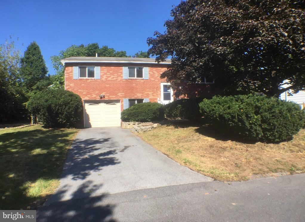 Brick home located in established StarAcres SD, close to War Memorial Park in Martinsburg. Split level home features 3 BRs and 2FBs on main level and 1BR and 1HB in fully finished basement with storage space and laundry area. Lot features include matured landscaping, covered rear porch and 1 car attached garage.