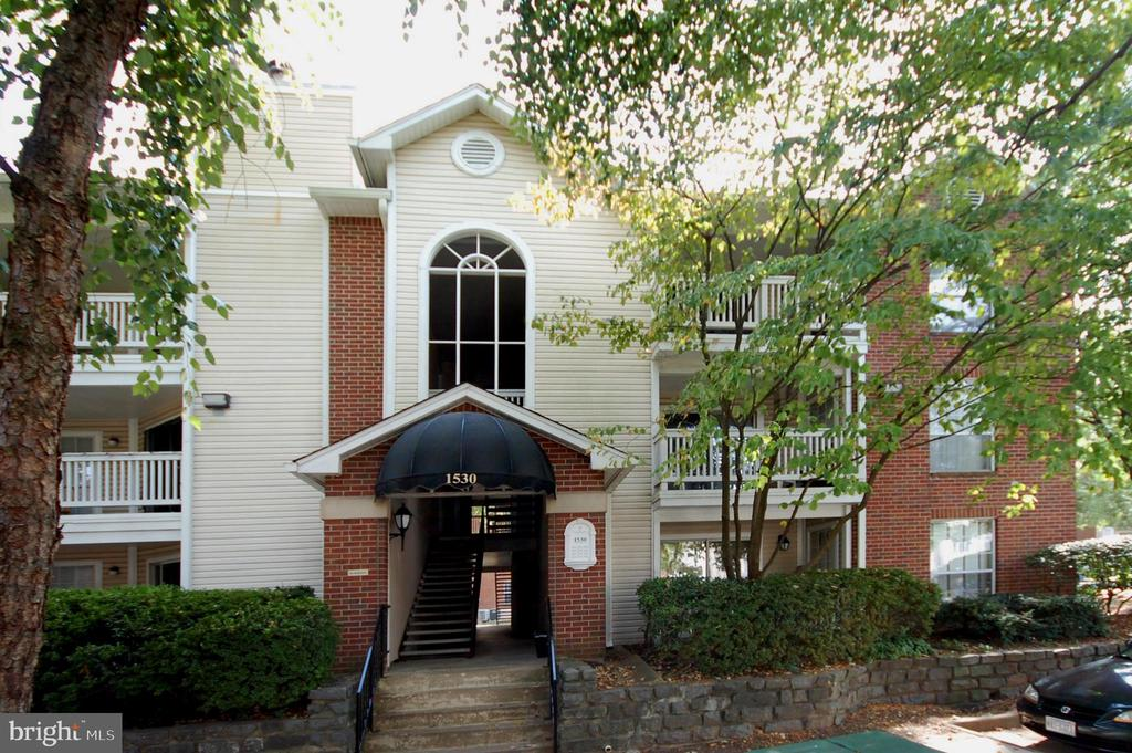 1530 Lincoln Way #304, McLean, VA 22102