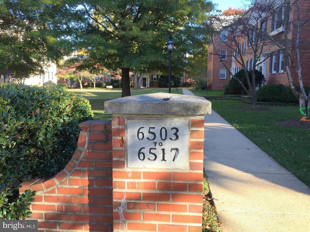 6517 Potomac Ave #J, Alexandria, VA 22307