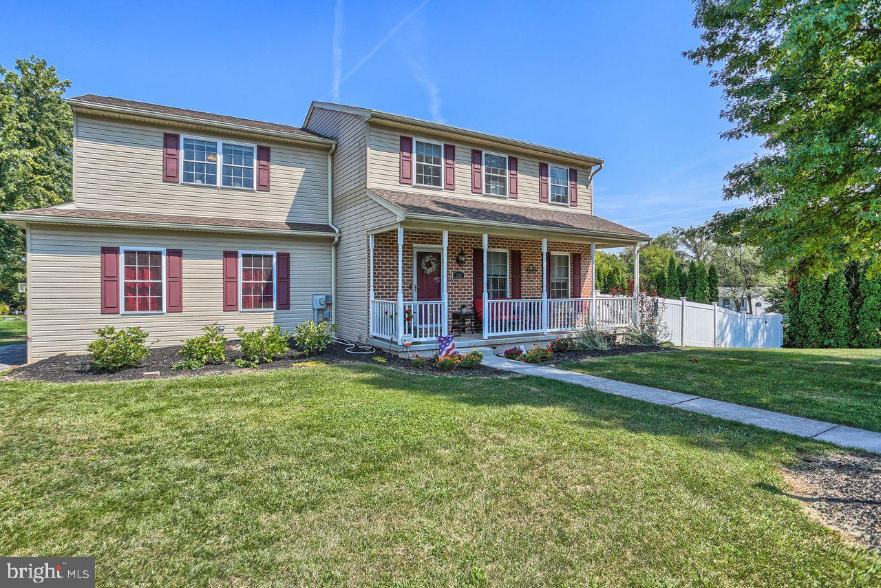125 IVY DRIVE, MANCHESTER, PA 17345