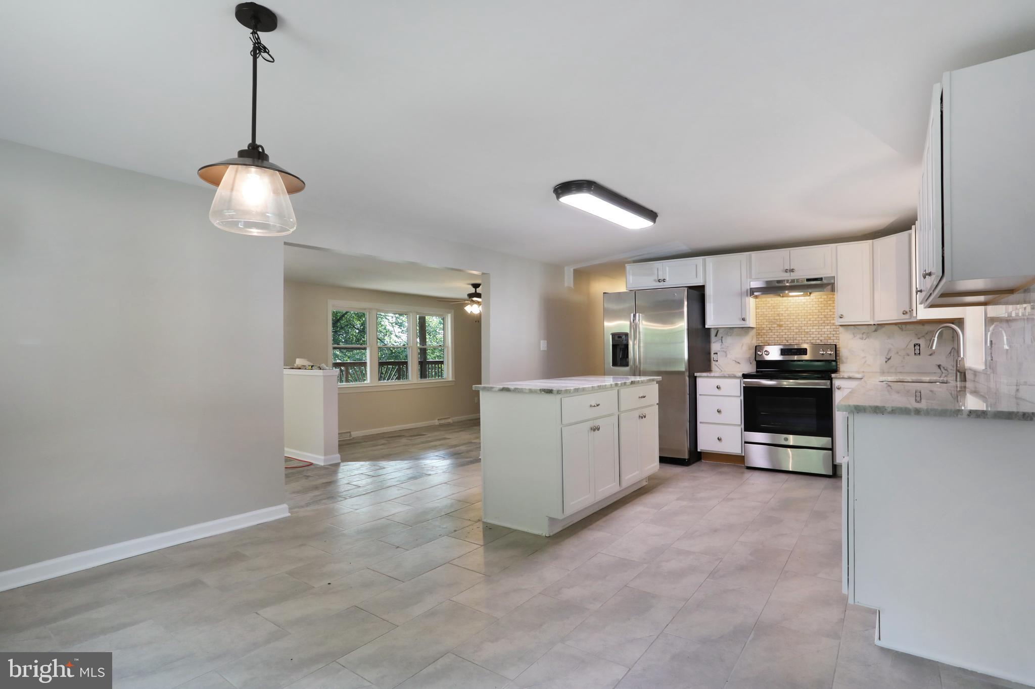 32 CANAL, FALLING WATERS, WV 25419