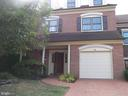 6319 Chaucer View Cir