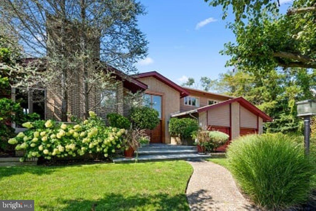 20 S DUDLEY AVENUE, VENTNOR CITY in ATLANTIC County, NJ 08406 Home for Sale