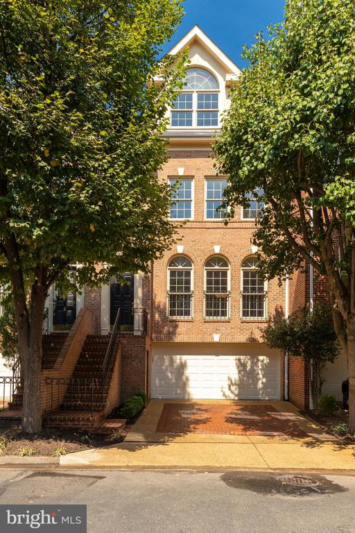 1503 N COLONIAL COURT, one of homes for sale in Arlington
