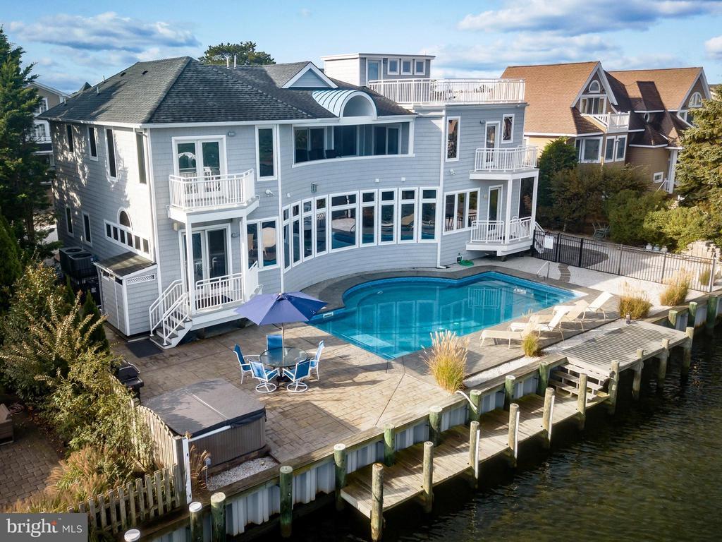 247  OCEANA, Long Beach Island, New Jersey