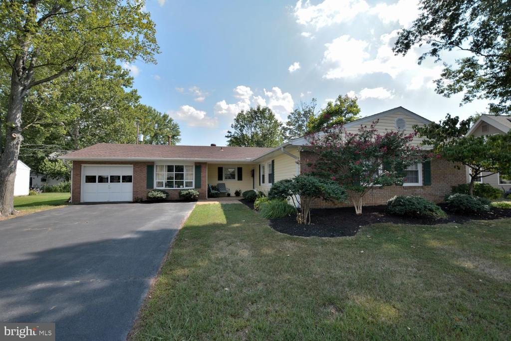 4117 Mount Echo Ln, Fairfax, VA 22033