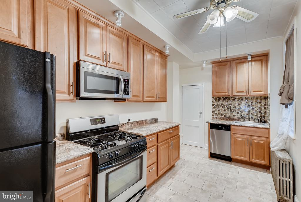Great rental available in the desired Little Italy.  This spacious 4 bed/2 full bath is ready to move-in!  Hard wood floors, high ceilings, updated kitchen, new carpet and so much more.  Close to Camden Yards, Ravens Stadium, entertainment, restaurants, and lots of shopping! A Must See!