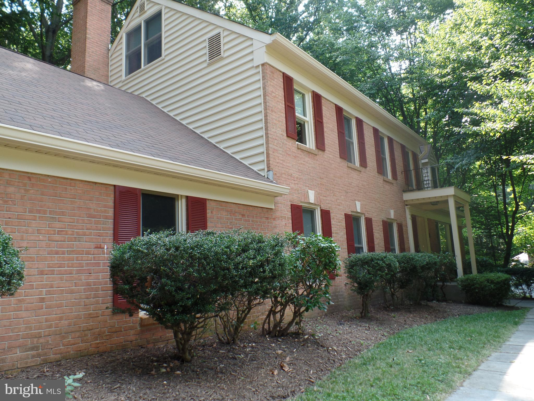 Private setting.  Fabulous 5 bedrooms, 3,5 baths.  Den/library on 1st floor.  Huge loft above the master bedroom.  Walk out basement with fireplace, 5th bedroom and bath and a large laundry room with lot of storage.  Enjoy the deck off of the family room.  Applications processed quickly.