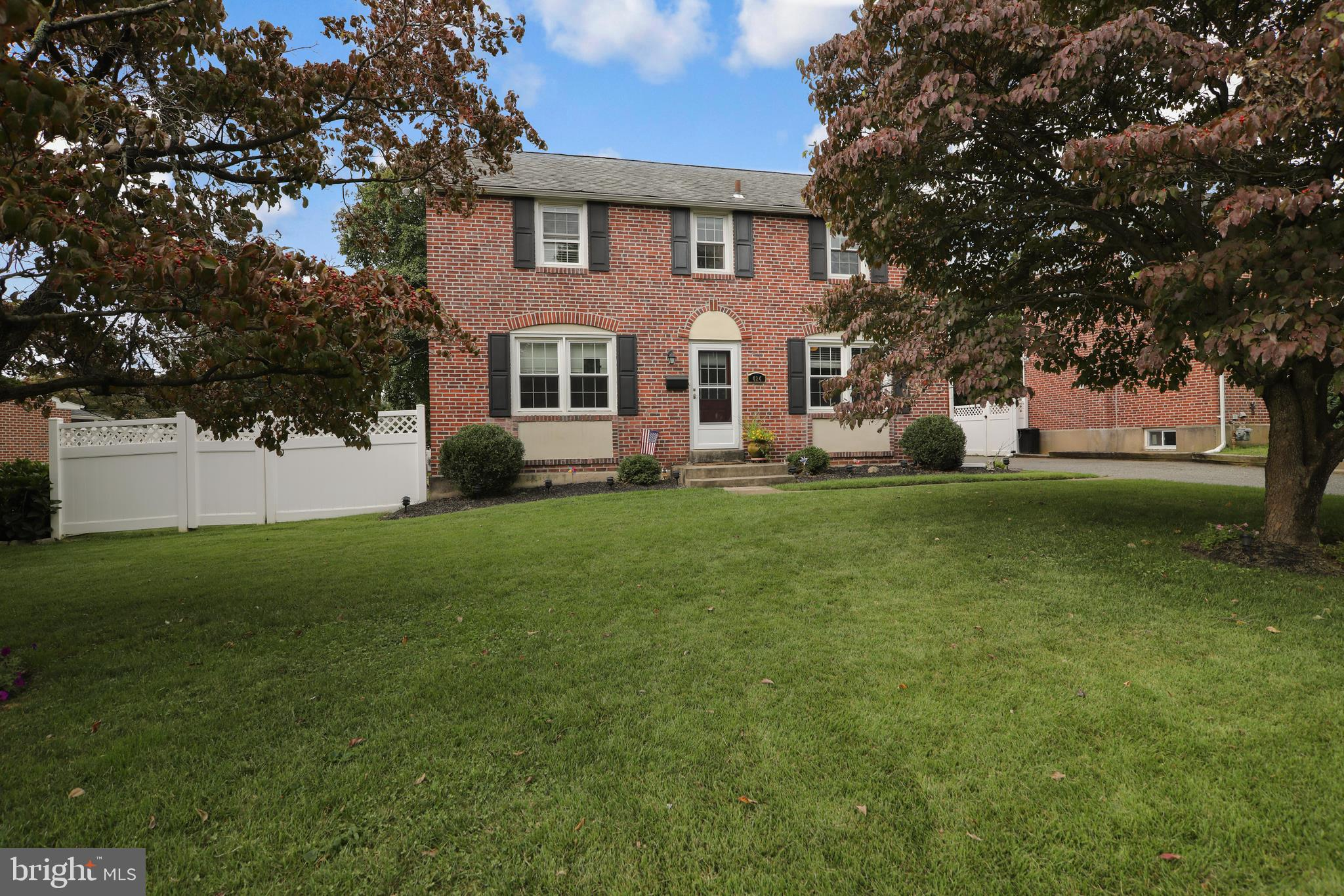 424 COLONIAL PARK DRIVE, SPRINGFIELD, PA 19064