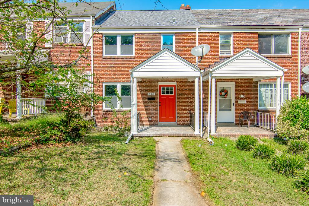 Gorgeously remodeled row just across the street from popular Belvedere Square Market! Upgraded countertops, stainless appliances, modern finishes throughout, both bathrooms with custom tile work. Fully finished basement, great for additional living space or entertaining!