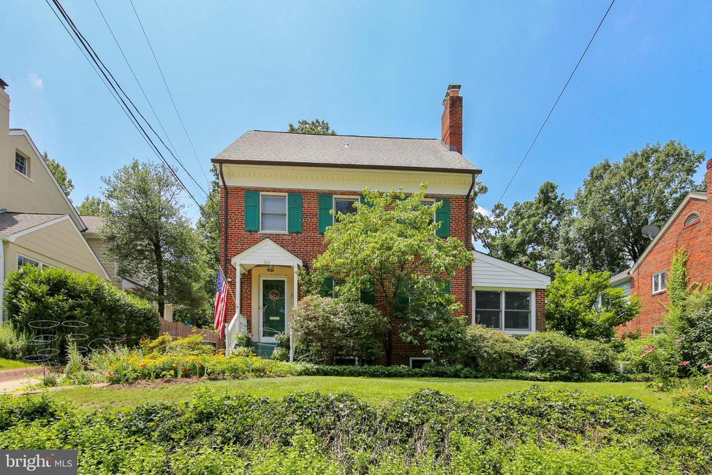 912 W BRADDOCK ROAD, Alexandria, Virginia