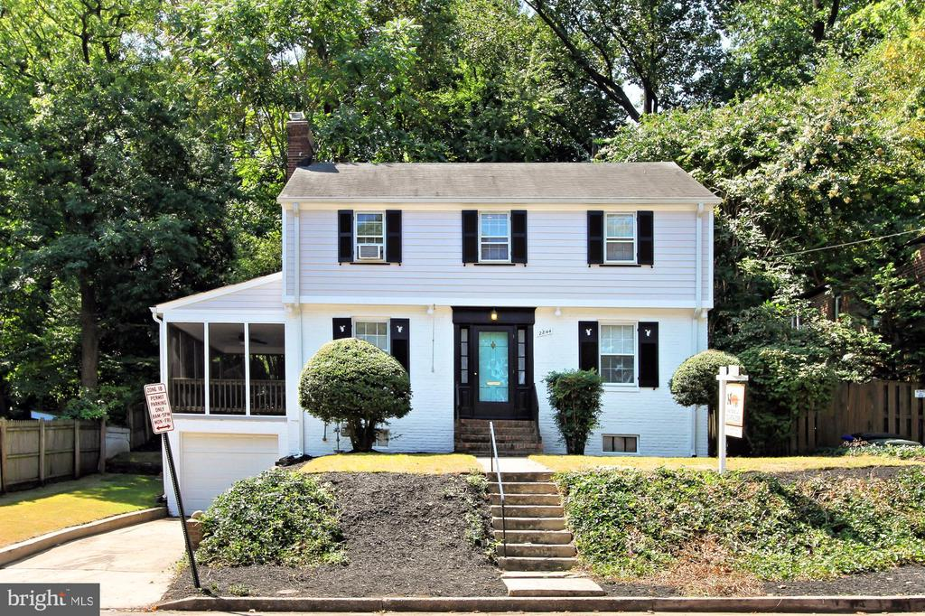 2844 Fort Scott Dr, Arlington, VA 22202
