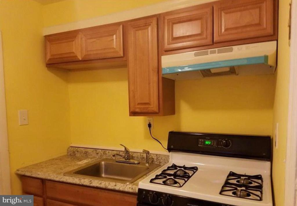 TWO BEDROOM APARTMENT, LOCATED IN WINDSOR HILL BALTIMORE, GREAT NEIGHBORHOOD, PAYMENTS ONLINE, 800 SQAURE FEET.  SCHEDULE YOUR SHOWING TODAY!!!!