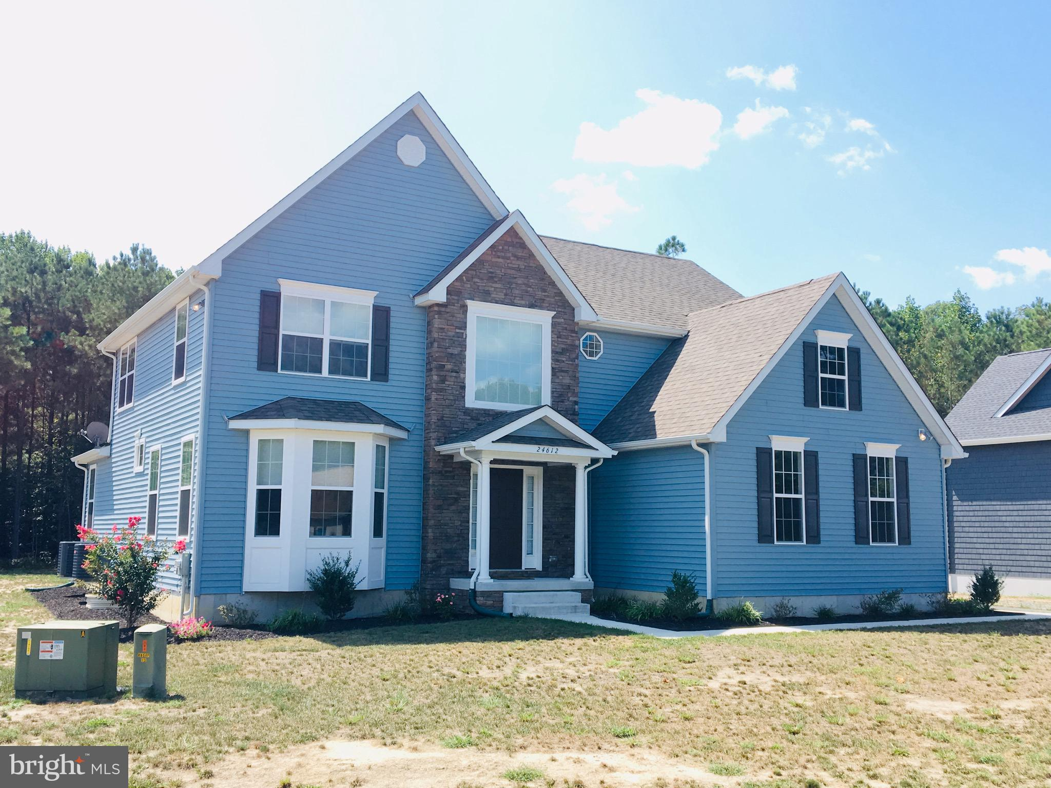 Amish built stick framed homes with fantastic floorplans, hardwood foyers, 9' ceilings, and more. Large cleared or wooded lots available with several models to choose from.  25 minutes to the beach!!