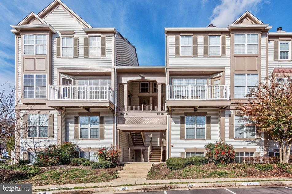 SPACIOUS TWO BEDROOM condo in desirable community immediately off I-95! Stainless steel kitchen appliances in light filled kitchen finished with granite counter top. Outdoor pools, exercise room, clubhouse and more! This is a great location, near VRE, just off I-95, great for commuters. Shopping centers and nature trails nearby. Don't miss this one!