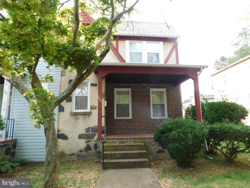 Priced To Sell Fast!  Great Location! Perfect for Investors or Handyman - Renovate & Resell or Move In and Build Some Sweat Equity. Tons of Potential Here! All Brick Semi-Attached Home,  Updated Bath, Large Bedrooms, Large Basement, Excellent Location in the Westgate Section. Close to Shopping, Restaurants, Commuter Routes & Much More! Hurry This Will Not Last!
