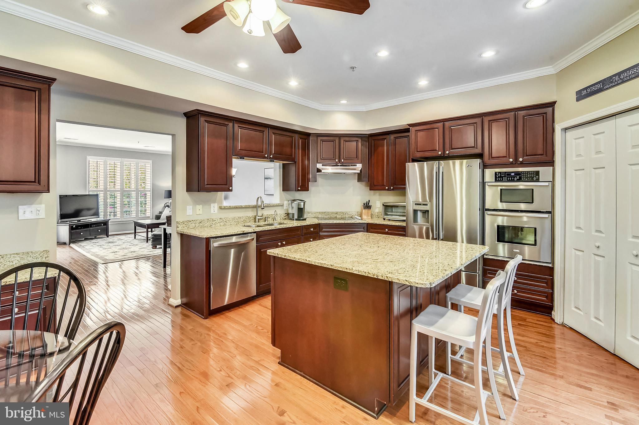24 HARBOUR HEIGHTS Dr, Annapolis, MD, 21401