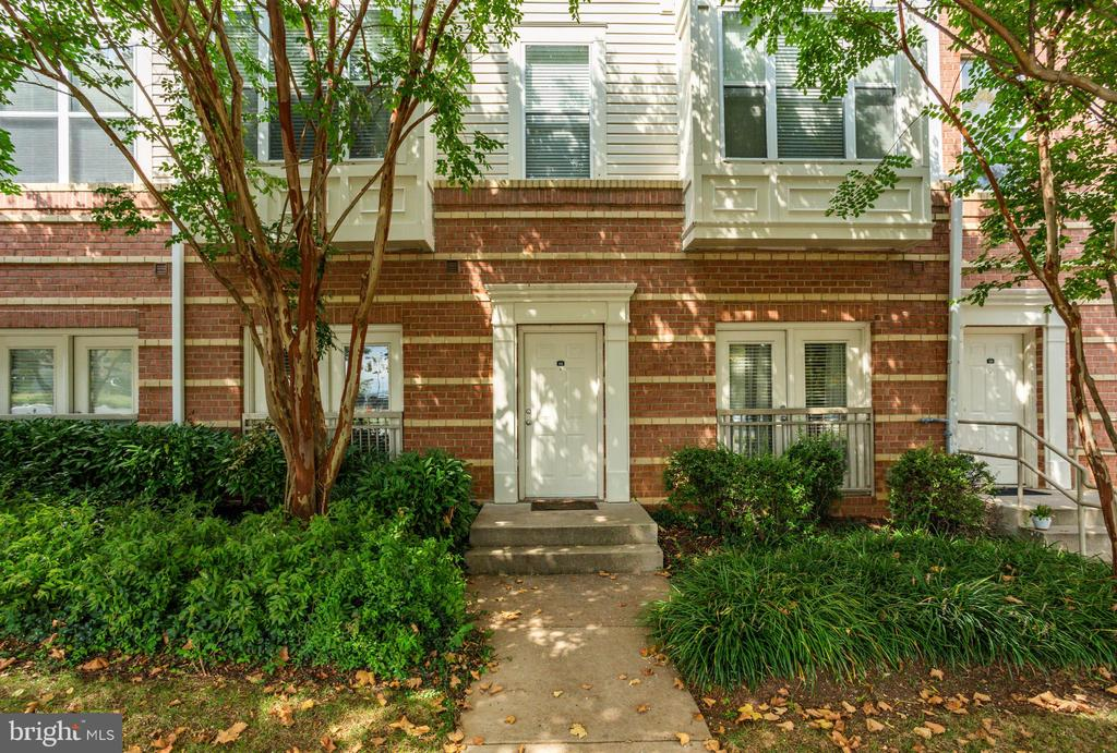 9490 Virginia Center Blvd #132, Vienna, VA 22181