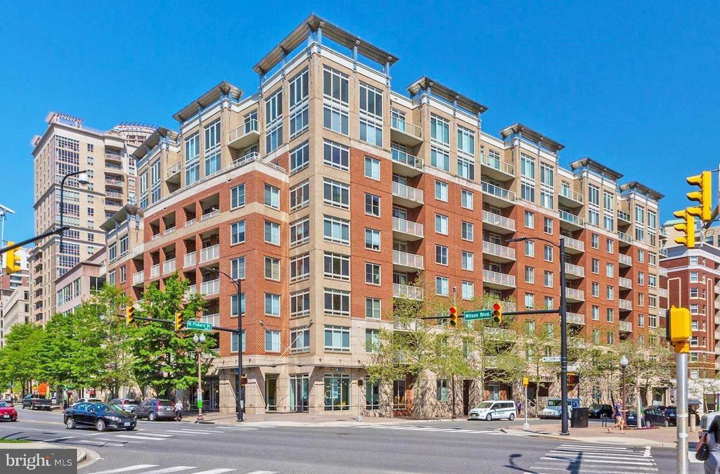 One of Arlington 1 Bedroom Homes for Sale at 820 N POLLARD STREET  405