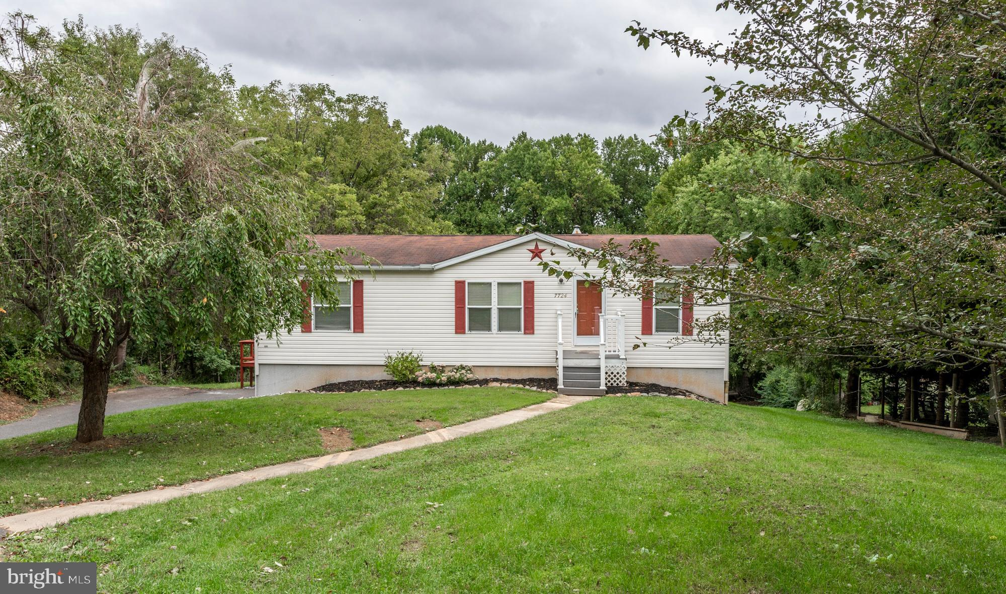 7724 WOODBINE ROAD, AIRVILLE, PA 17302