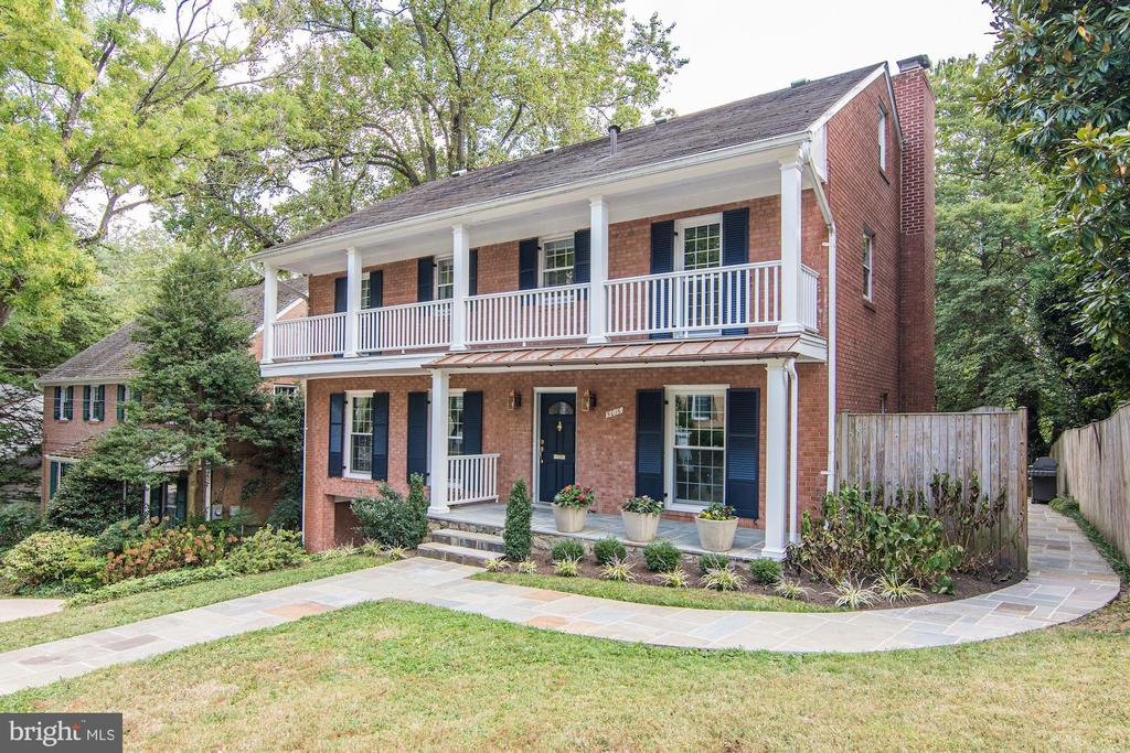 First Open Sunday 9/22, 1-4pm. Picturesque Kent colonial on a quiet cul-de-sac street just blocks away from the heart of the Palisades. Five bedroom, four and a half baths with four levels of sunny finished living space. First floor includes a sizable living room, formal dining room, updated open kitchen/family room with a fireplace, office/den with a built-in bookcases, and a renovated half bathroom. Natural light pours in the master suite through oversized windows and into the spa bath complete with oversized jetted tub and dressing room. PLUS, four additional large bedrooms and two updated hall bathrooms. There is a fully finished walk out lower level with second family room, a wine room, renovated laundry room that could be converted into an au pair suite with a private entrance and garage. Exterior transformed in 2019 to an exquisite outdoor space with expansive Trex decking and two levels of field stone patios perched above the neighborhood. Some additional features include: red oak wood floors, custom bedroom storage by Capitol Closets Design, Smith & Noble professional window treatments; and ample storage space. Steps from restaurants, shops, and Key Elementary and easy access to downtown, Virginia and Maryland.