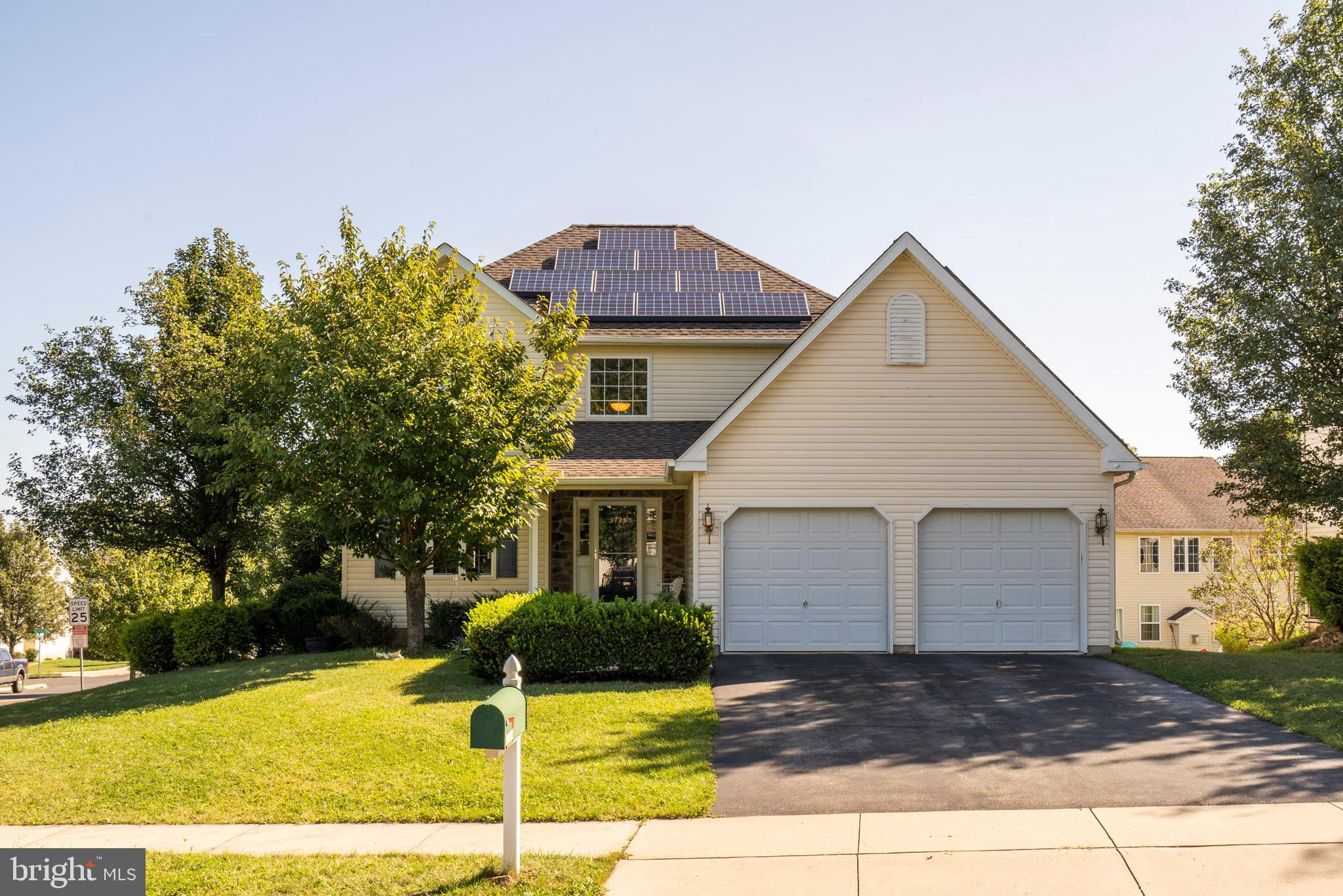 3725 CLAY DRIVE, MACUNGIE, PA 18062