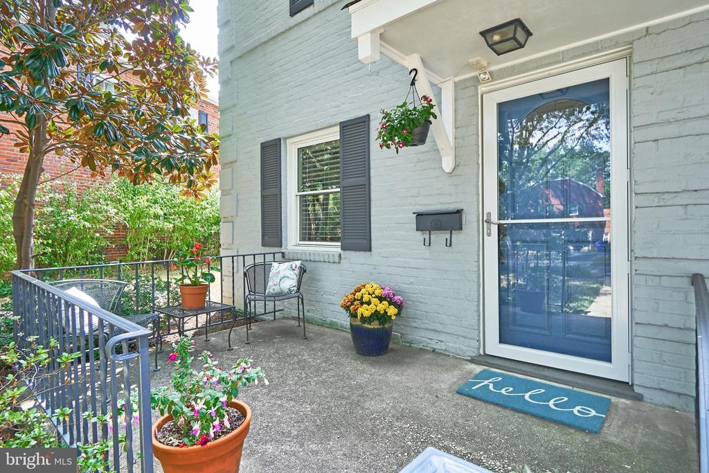 One of Arlington 2 Bedroom Homes for Sale at 3220  9TH STREET S