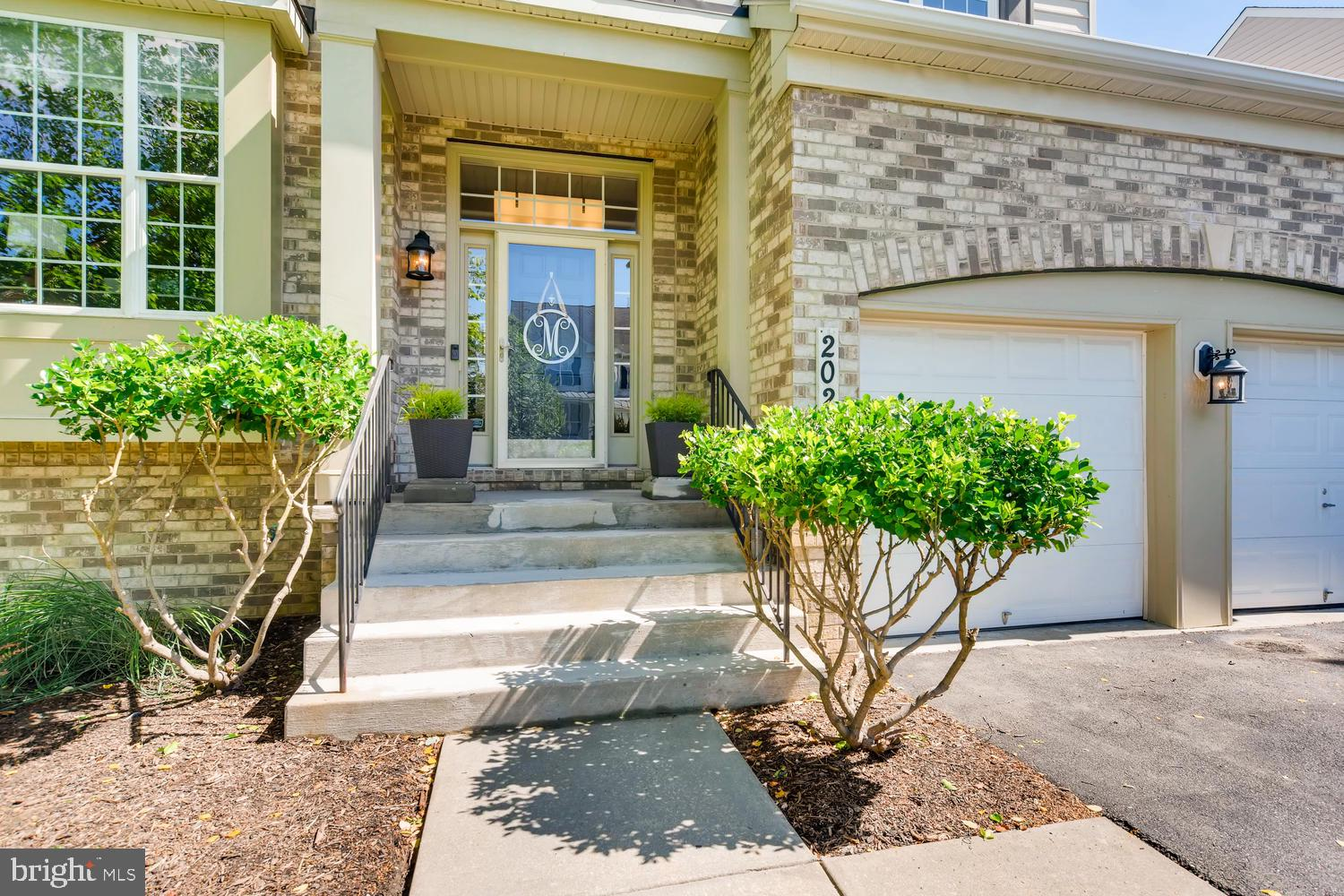2027 WILLOWCREST CIRCLE, BALTIMORE, MD 21209