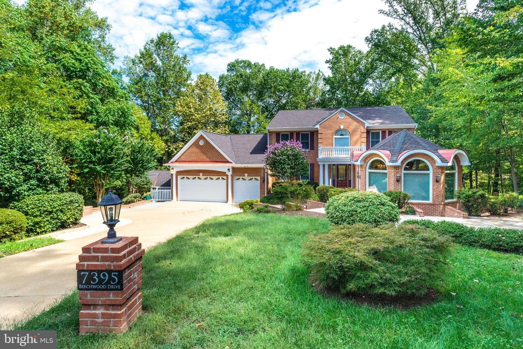 7395  BEECHWOOD DRIVE, West Springfield, Virginia