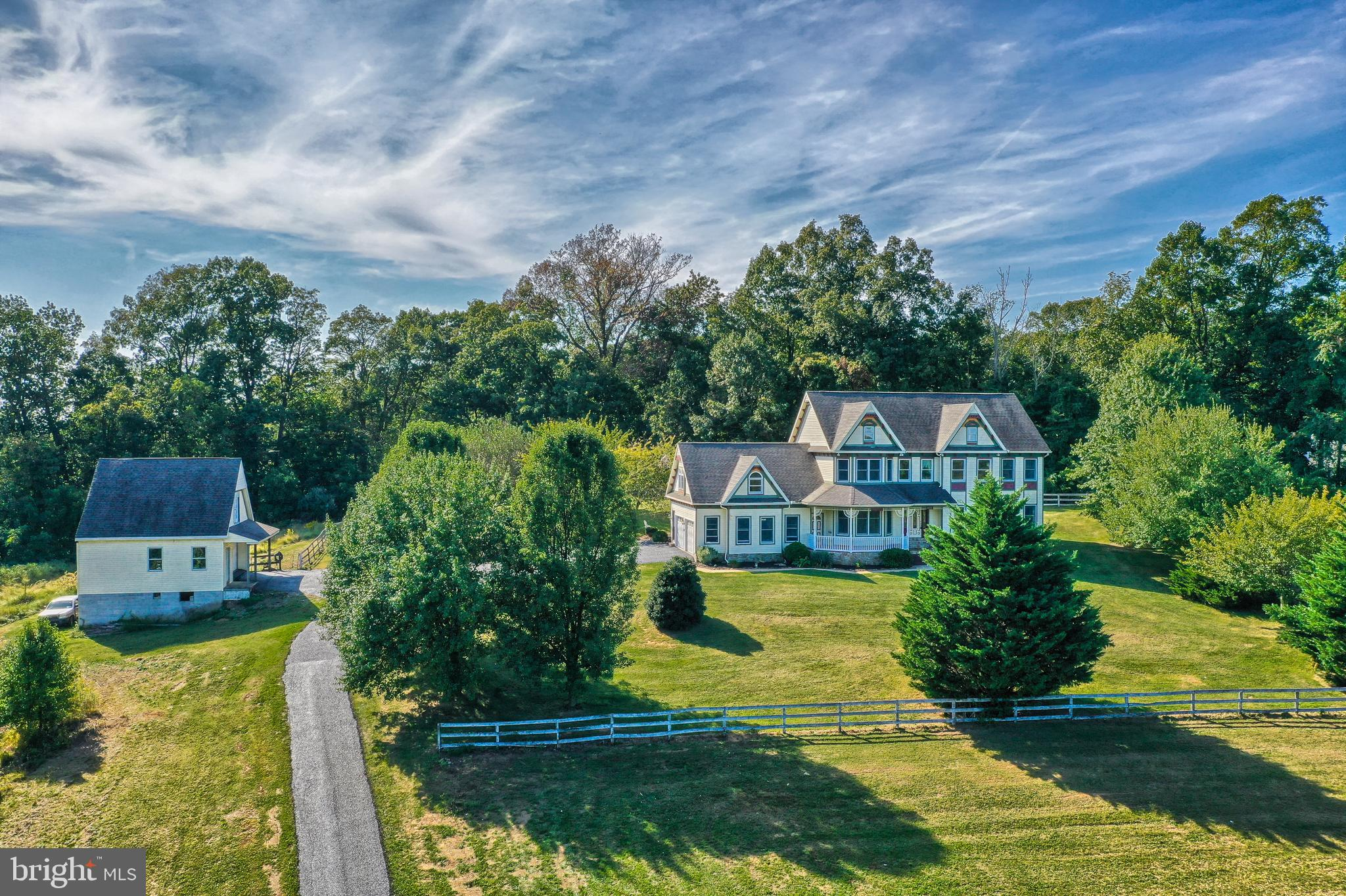 6211 BLUE HILL ROAD, GLENVILLE, PA 17329
