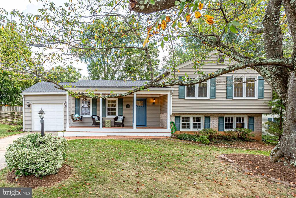One of Burke 4 Bedroom Homes for Sale at 9535  ASHBOURN DRIVE
