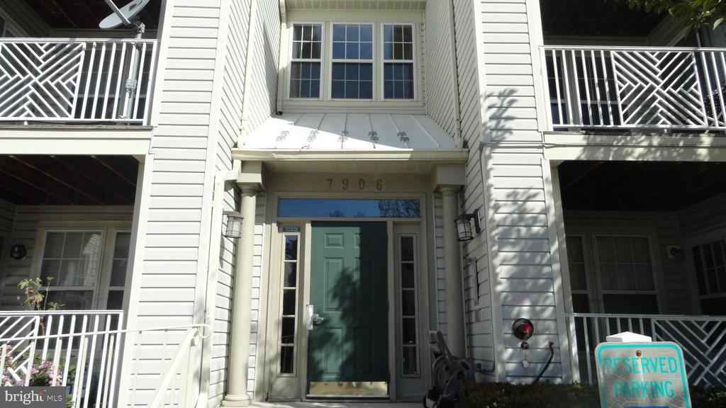 Freshly painted and new carpet in this sun filled condo . Two spacious bedrooms , walk in closet, eat in kitchen, and balcony that opens up from the sunny dining room. Washer and dryer in the unit. Conveniently located