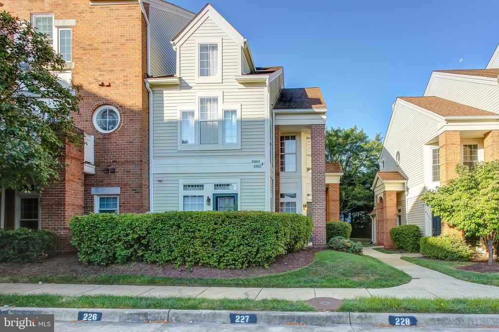 6862 Brindle Heath Way, Alexandria, VA 22315