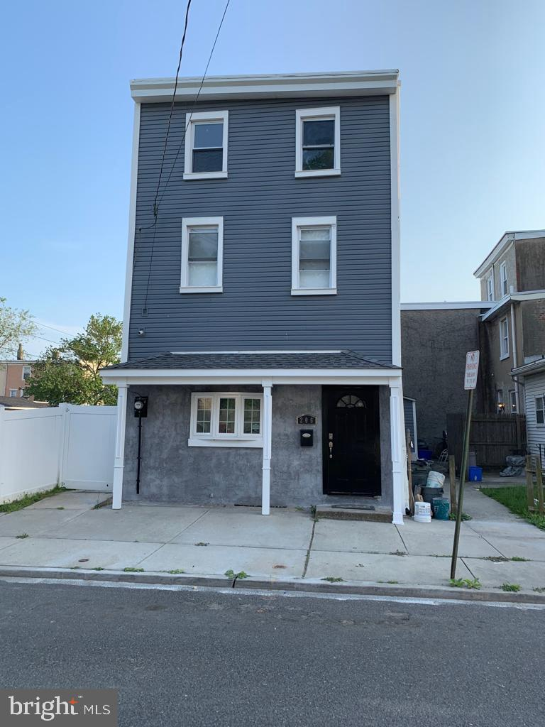 206 MERCER STREET, GLOUCESTER CITY, NJ 08030