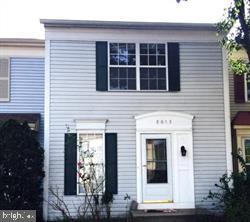 Completely remodeled kitchen and bath  in this gorgeous 3 level townhouse New carpet, paint & fixtures throughout. Enjoy wonderful amenities Landsdowne has to offer, pool, tot lots, tennis courts, basketball & more. Unbelievable commuter & shopping location, across from new Wegmans, close to metro, Fort Belvoir,