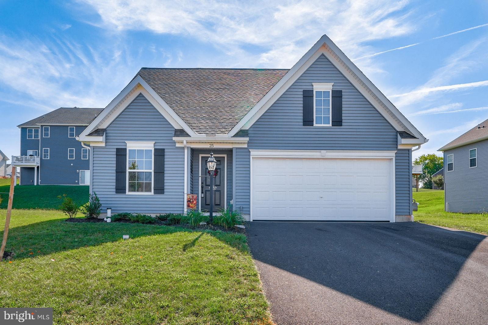 25 VILLAGE ROAD, MANCHESTER, PA 17345