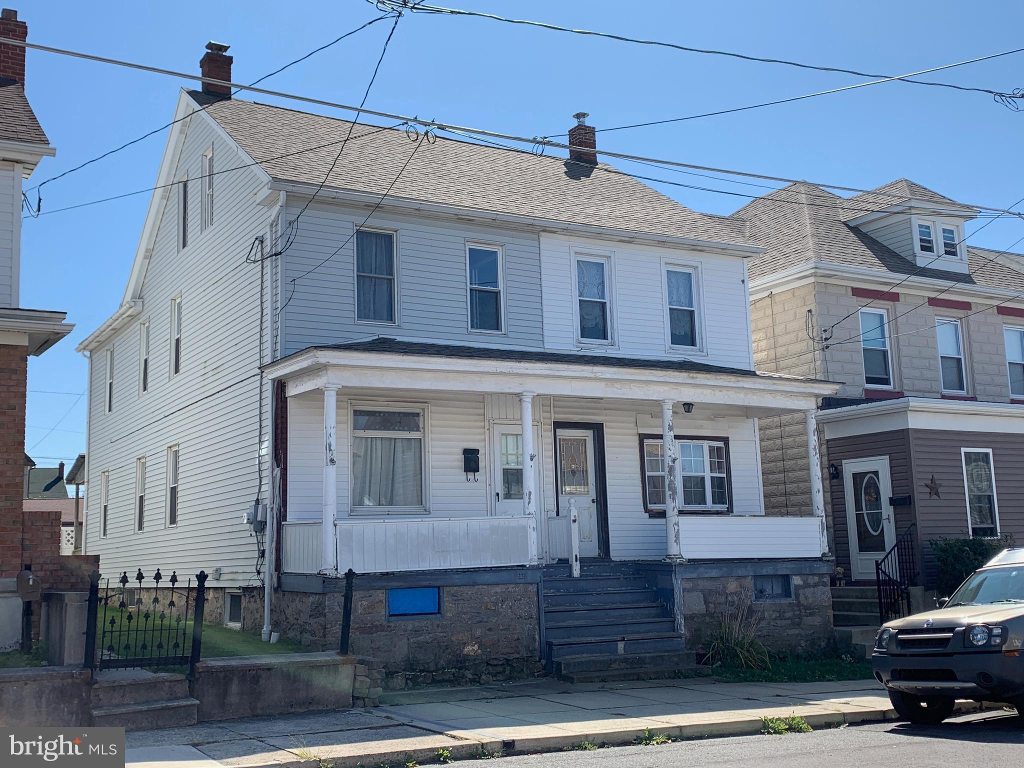 233-235 E HAZARD STREET, SUMMIT HILL, PA 18250