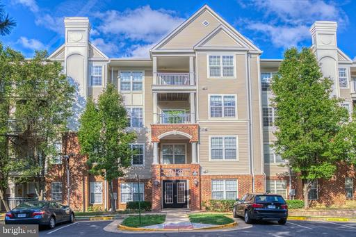 3015 Nicosh Cir #2204, Falls Church, VA 22042