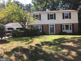 5110 Sideburn Rd, Fairfax, VA 22032