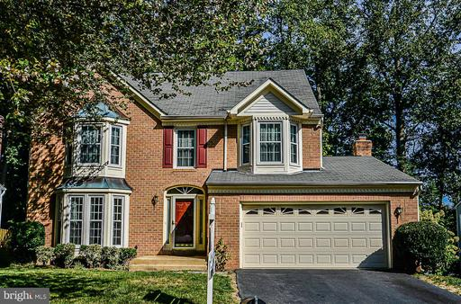 9110 Wood Pointe Way, Fairfax Station, VA 22039