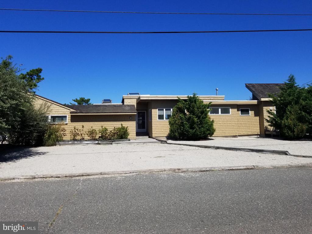 139  LAGUNA LANE, Long Beach Island, New Jersey