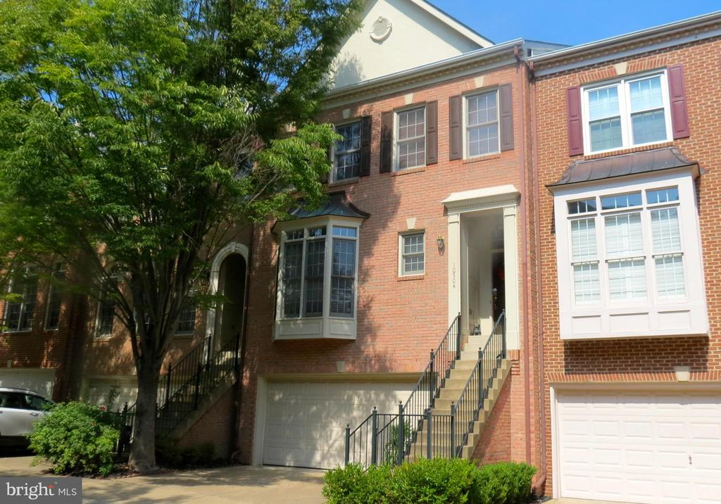 One of Fairfax 3 Bedroom Homes for Sale at 10504  JAMES WREN WAY